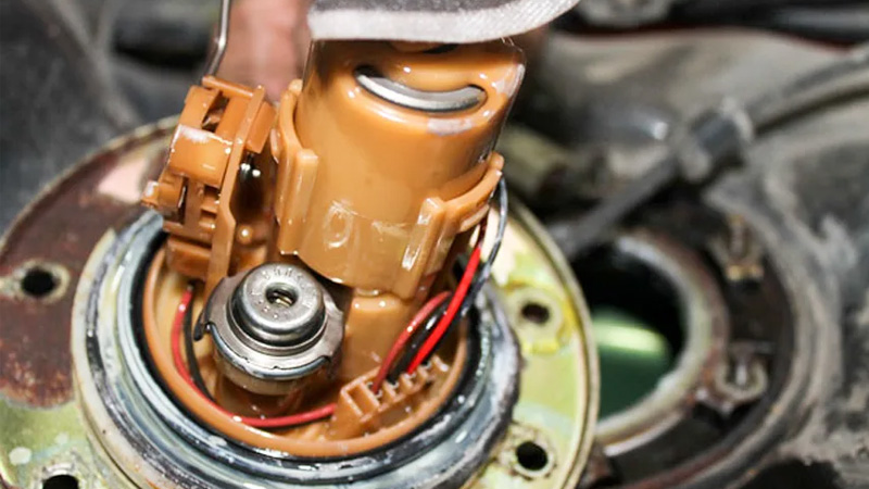 Bộ phận bơm nhiên liệu có thể gây ảnh hưởng cho việc khởi động xe