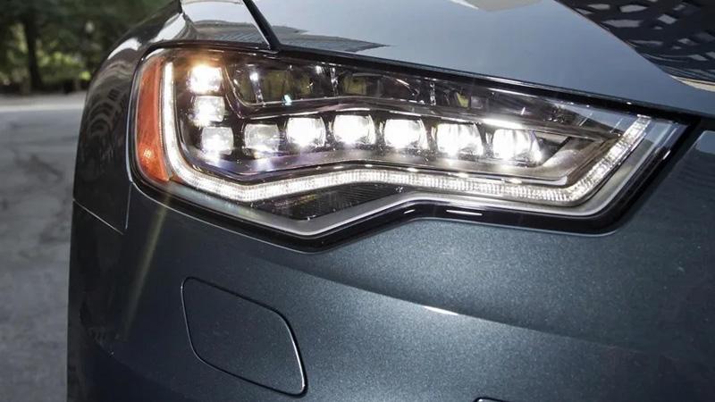 Đèn pha còn có vai trò thẩm mỹ, tạo nên phong cách riêng cho mỗi chiếc xe