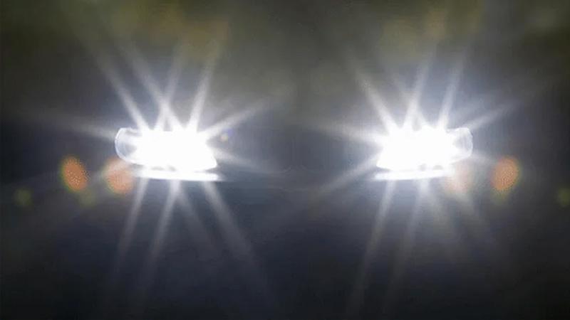 Đèn pha giúp người lái có được tầm nhìn xa trong điều kiện thiếu sáng